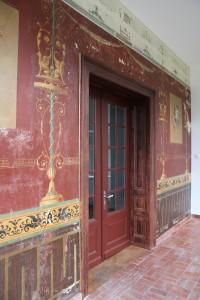 Wandmalerei in Öltechnik auf Putz in der Loggia (Baujahr 1877, freigelegte Fassung vermutlich 1897)